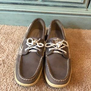 Sperry NWOT gray and silver polkadots